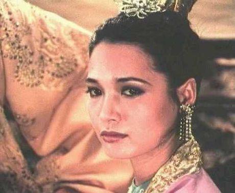"""Tạo hình nhân vật Tuyên phi Đặng Thị Huệ của NSUT Lê Vân trong phim """"Đêm hội Long trì"""""""